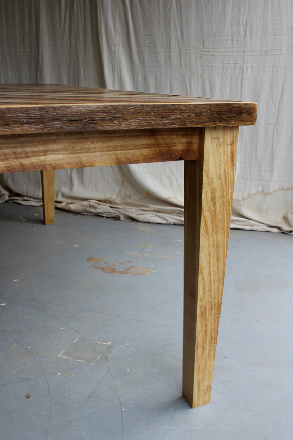 Barn Wood Dining Table With Tapered Wooden Legs Featured With A Chevron  Pattern