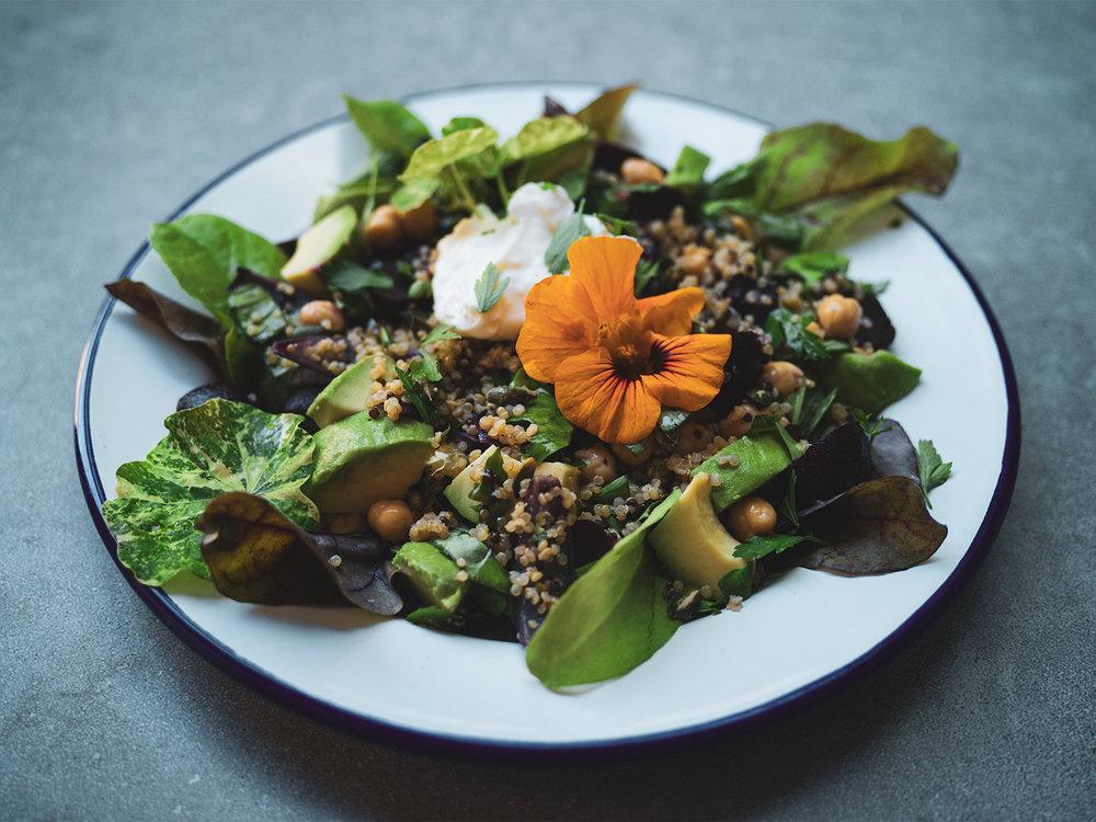 beetroot quinoa salad