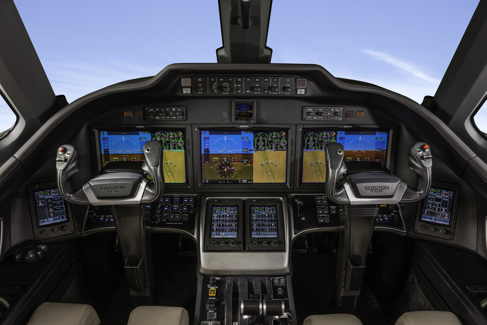 Brett-Smith-Photography-Cessna-CitationX-Cockpit-Yokes.jpg
