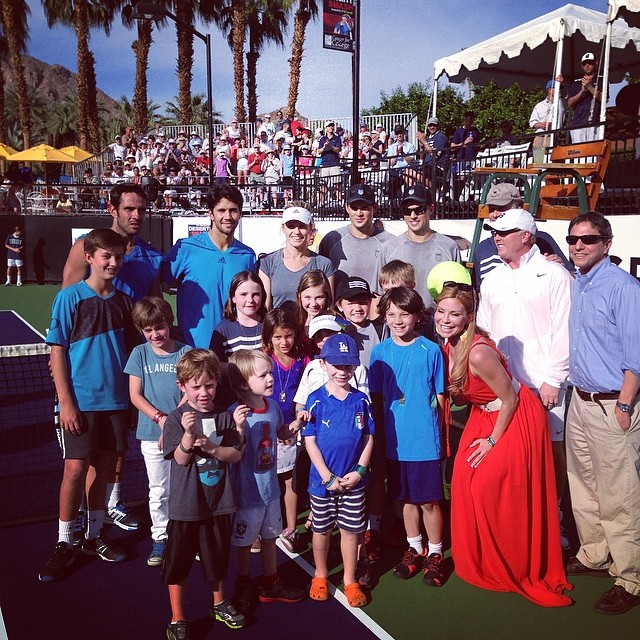 Our amazing pro tennis players with our awesome fans happily raising money for @cancerforcollege. #desertsmash
