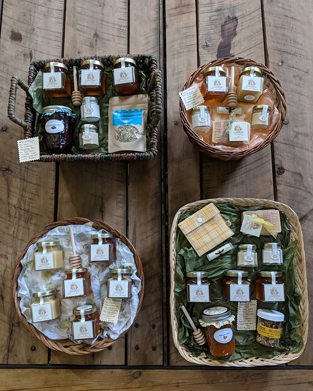 Custom made baskets always make a great house warming gift. Let your firends and loved ones know where the best stuff in town comes from. . . . . . . #ftg #nj #shoplocal #giftbasket