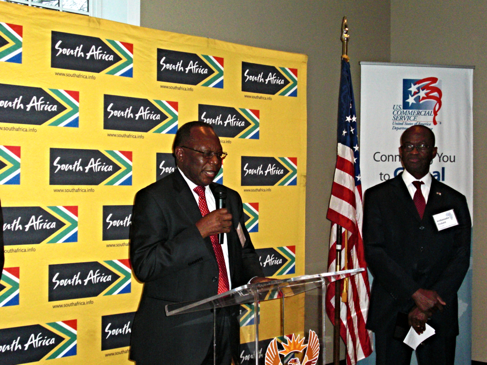 Ambassador Mninwa Mahlangu of South Africa (left) and Ambassador Diabaté Daouda of Côte d'Ivoire (right)