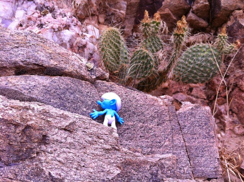 Cliffhanger Smurf