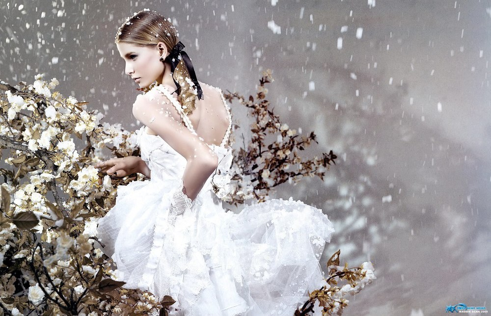 Vogue CN Snow Princess - Hana Soupuova