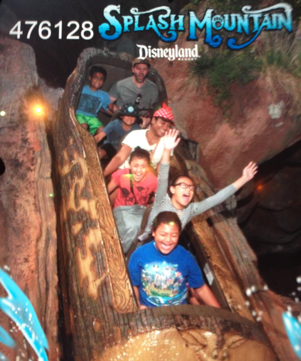 w5project-splash-mountain-sparks-of-magic.jpg