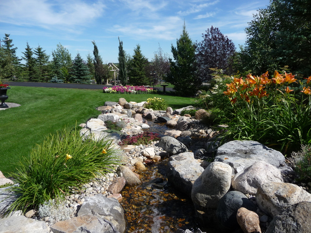 natura-stream-landscape-design