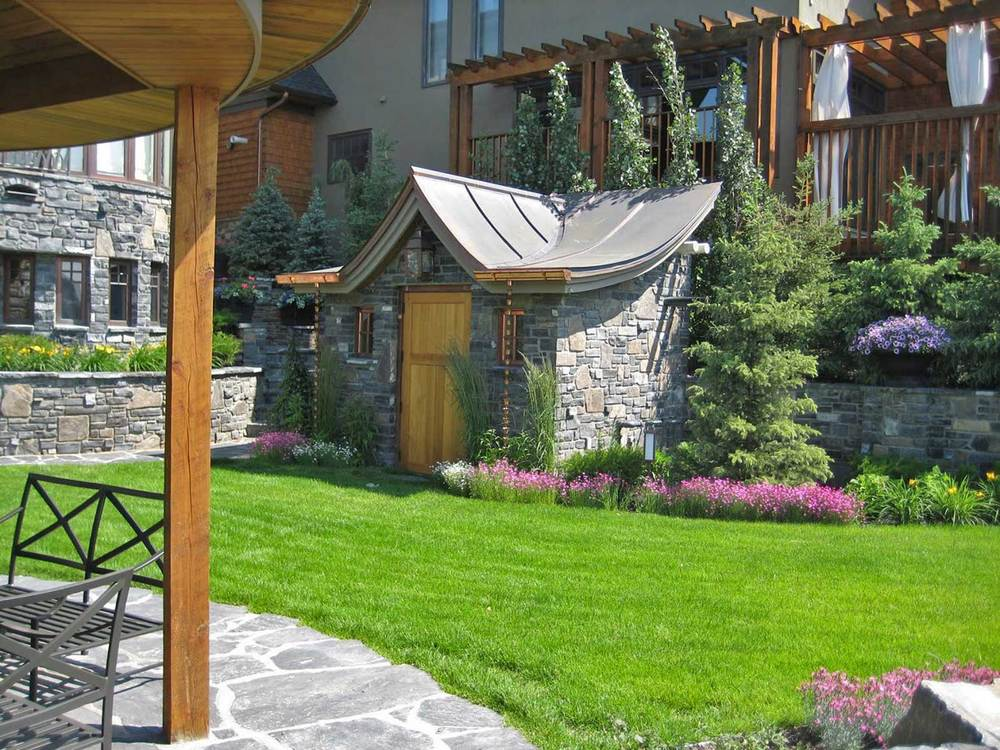 rosedale-2_lawn-&-storage-structure.jpg
