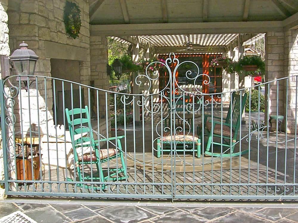 jourdan-way_ornamental-gate.jpg