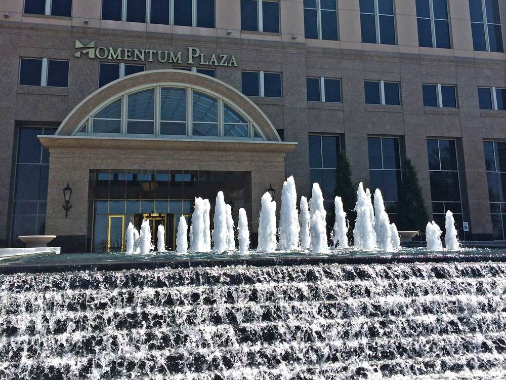 momentum-plaza_fountain1.jpg