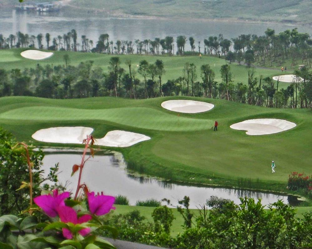 chongqing-riverview_golf-course_hole-x8.jpg