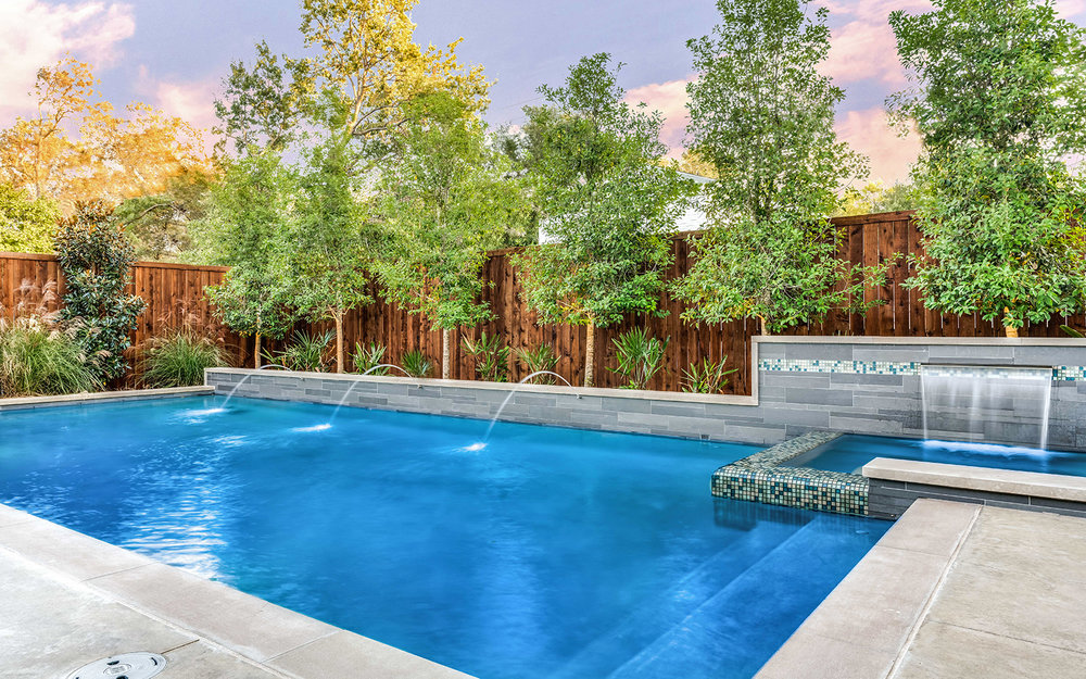 sunnyland-modern-pool-fountain-jets.jpg