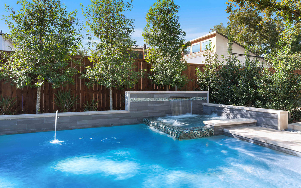 sunnyland-modern-pool-spa.jpg