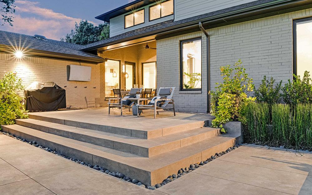 sunnyland-modern-pool-terrace-steps.jpg