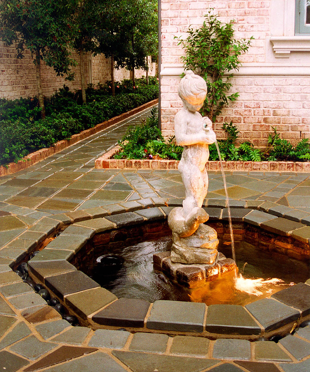highland-park-residence-courtyard-fountain.jpg