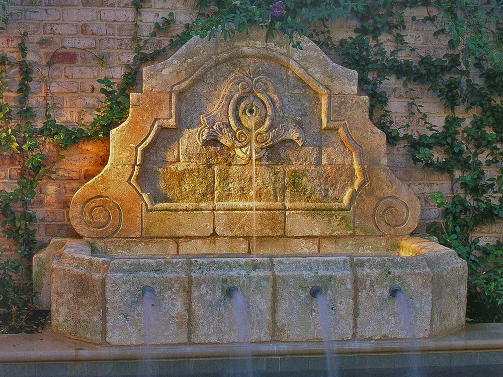 highland-park-residence-wall-fountain.jpg
