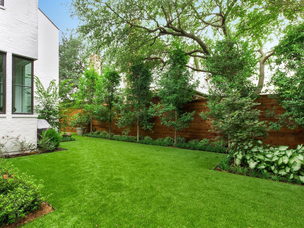 ddla-design-pemberton-modern-rear-landscape-fence-trees.jpg