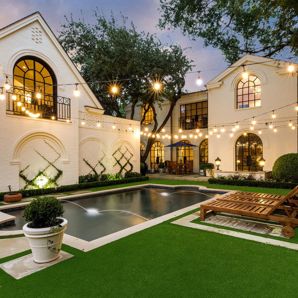 ddla-design-windsor-rear-pool-garden-house-evening.jpg
