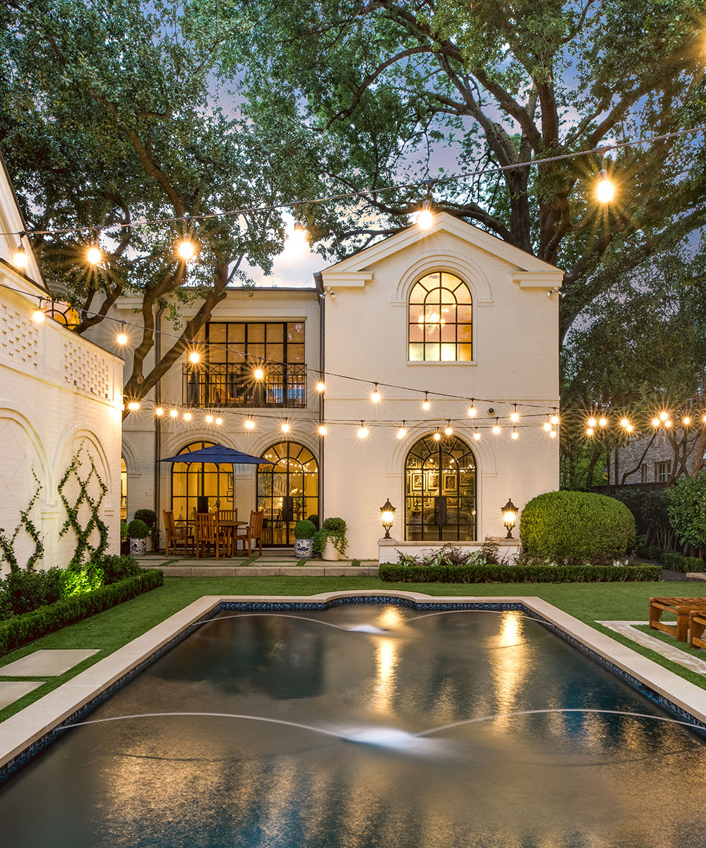 ddla-design-windsor-rear-pool-house-evening.jpg