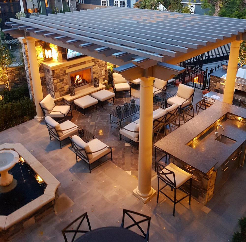 ddla-design-calgary-outdoor-living-area-fountain.jpg