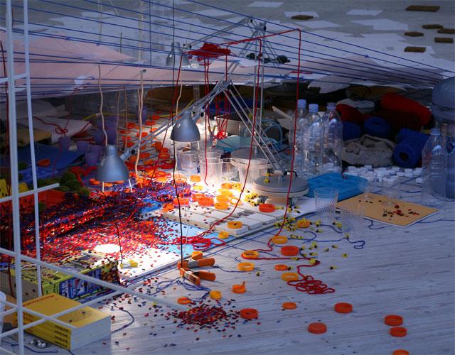 <tilting planet> 2007 Sarah Sze,Victoria-Miro, London