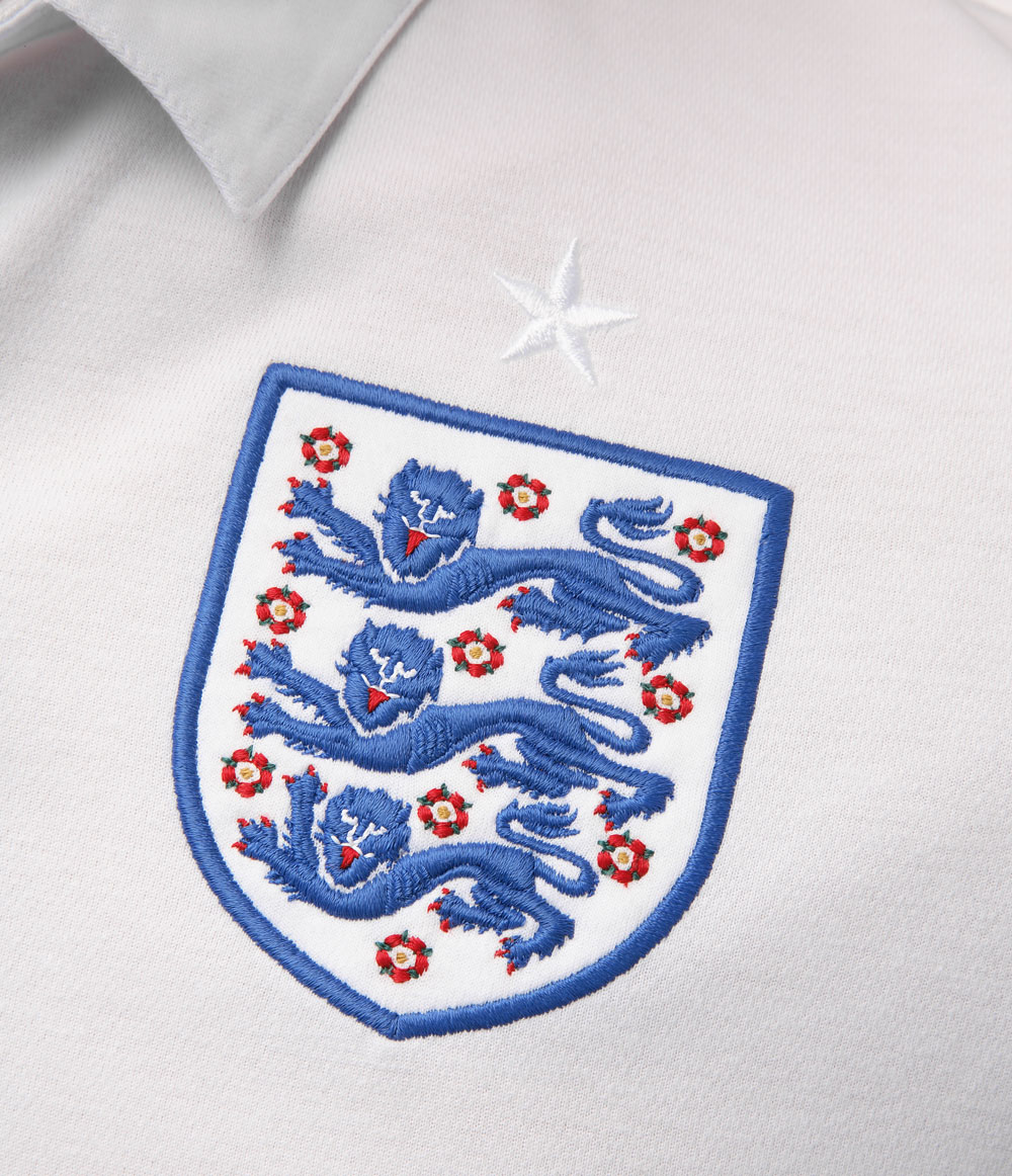 England_football_team_badge.jpg