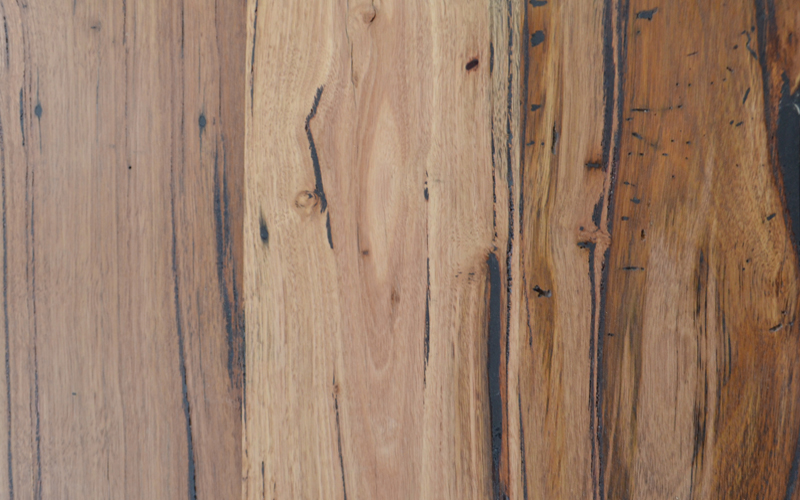Messmate timber with high character level
