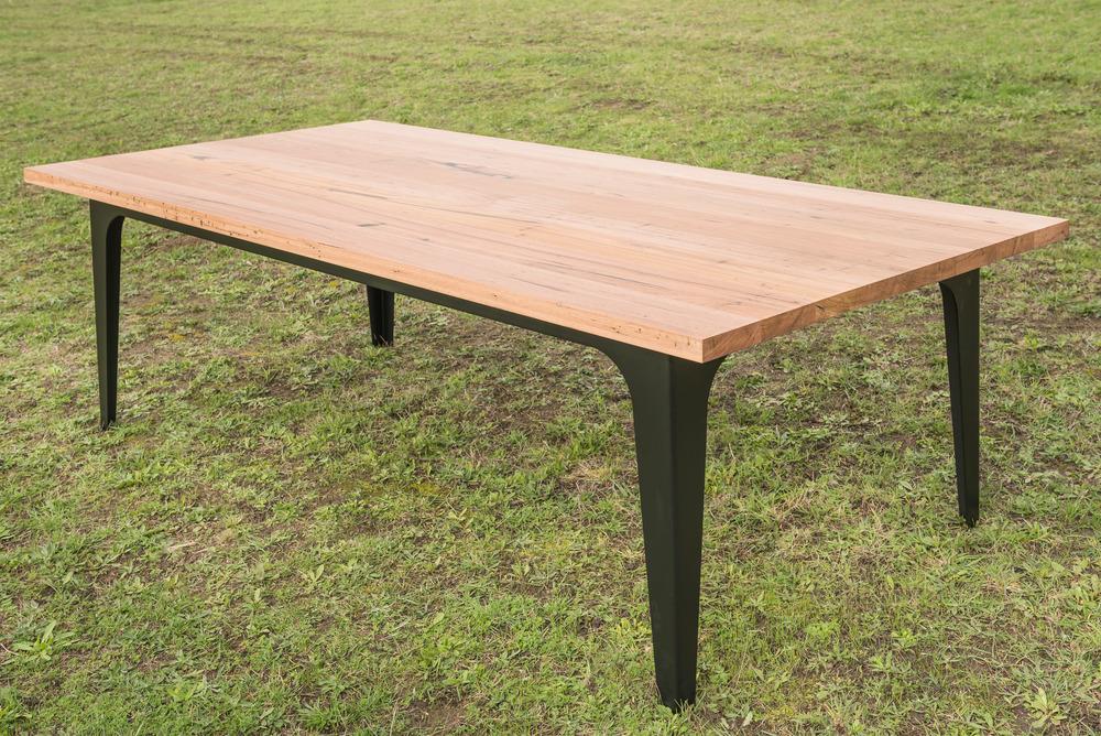 matte black leg dining table