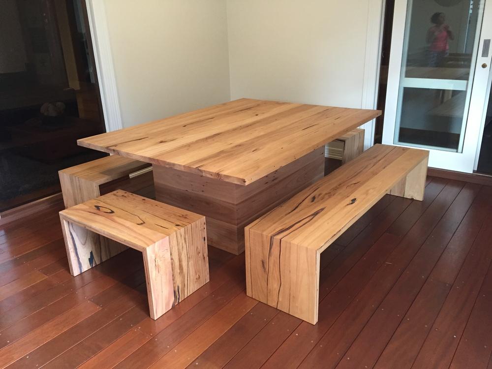u shaped bench seat