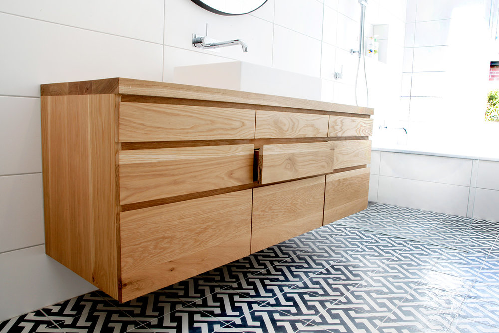 Vanity with solid timber drawer boxes