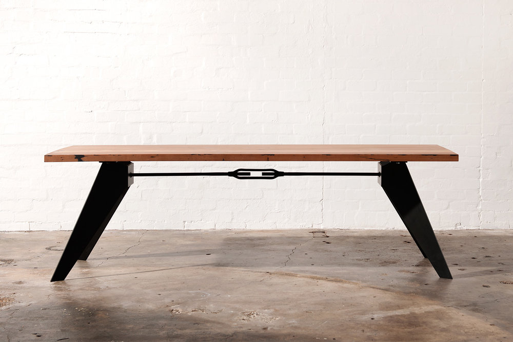 black metal leg dining table