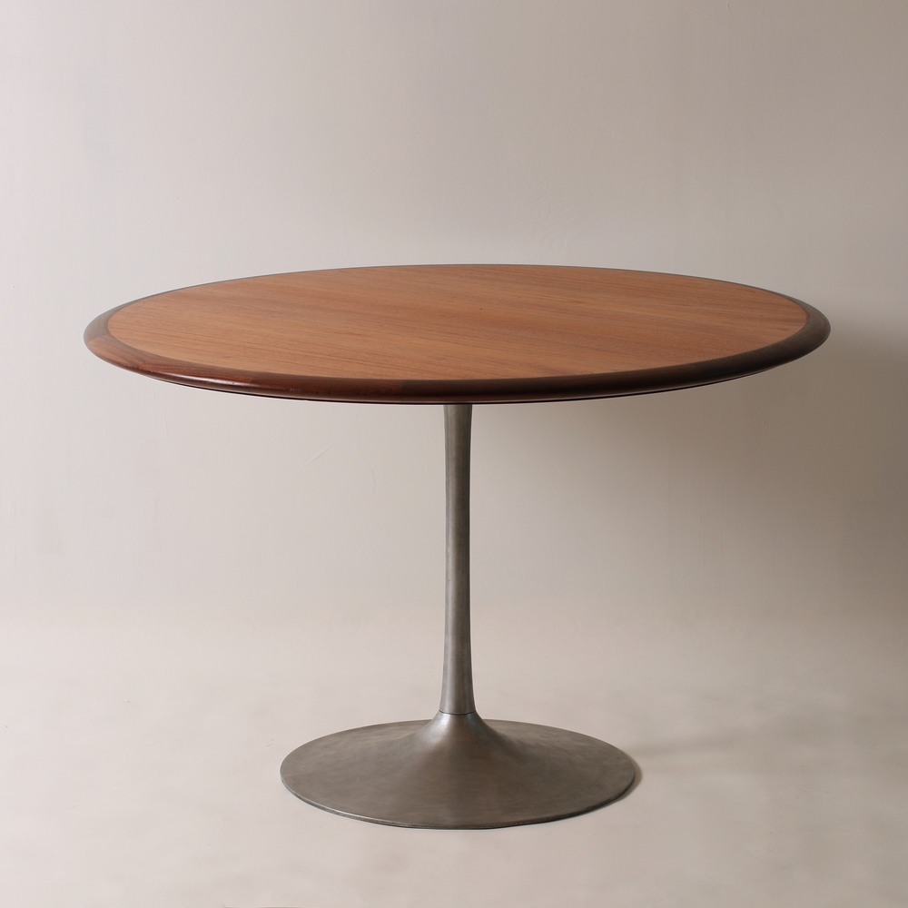 Scandinavian dining table form function for Cie no 85 table 4