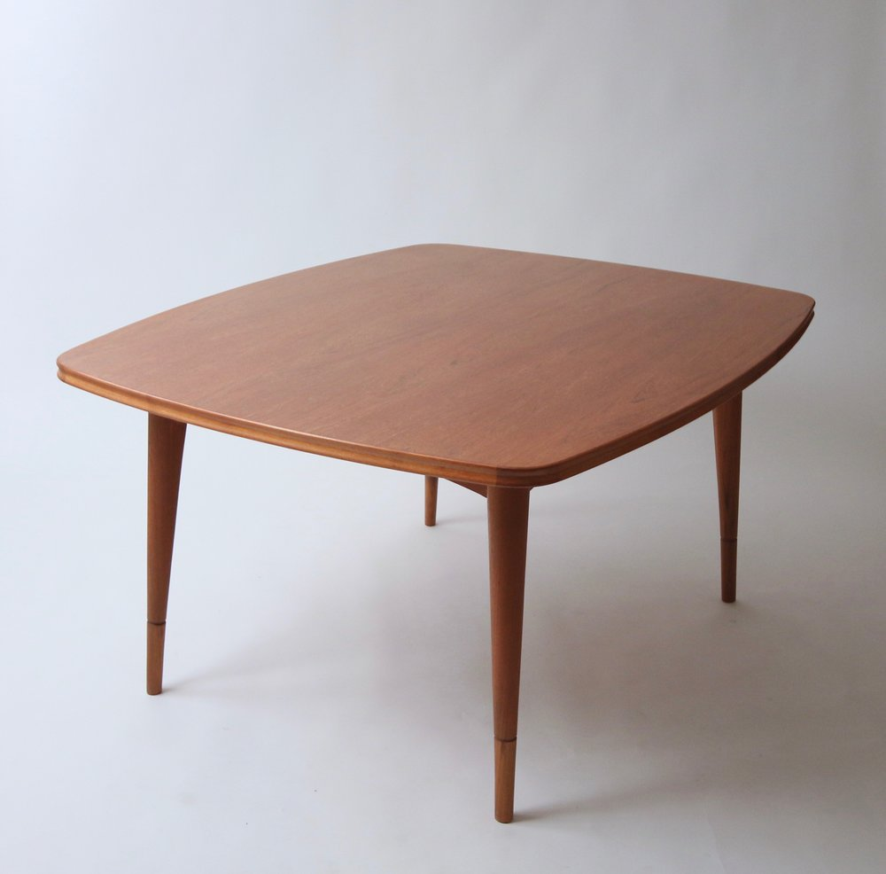 Scandinavian dining table form function for Cie 85 table 4