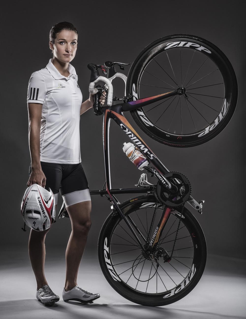 CYCLIST LIZZIE ARMISTEAD PHOTO CREDIT PAUL COOPER/PCOOPERPHOTO.COM