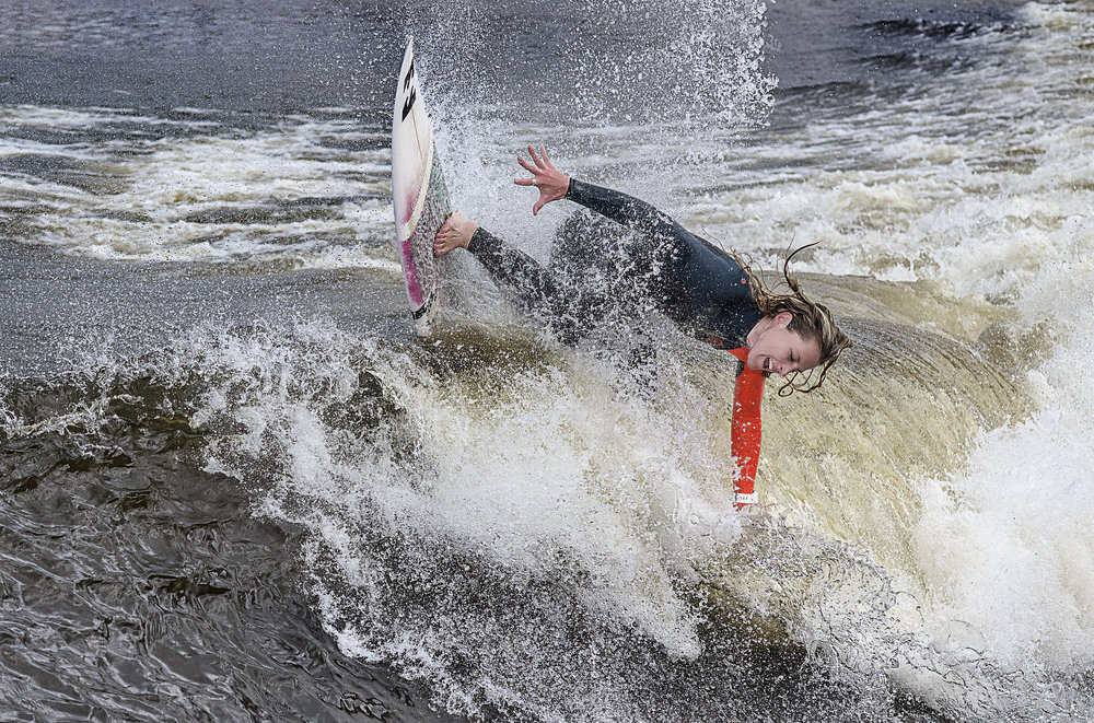 JO DENNISON AT SURF SNOWDONIA