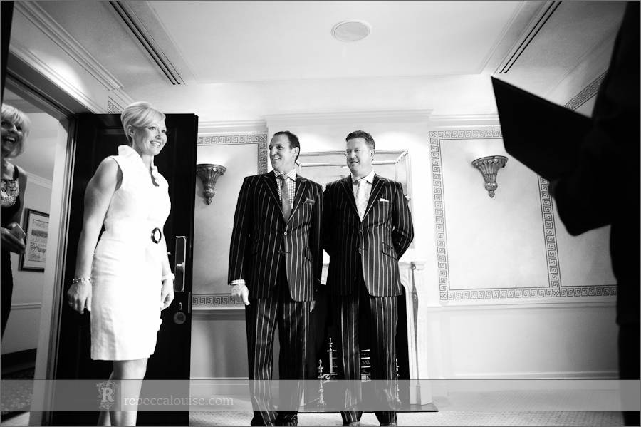 Bride arrives at Claridge's Boardroom week day wedding ceremony