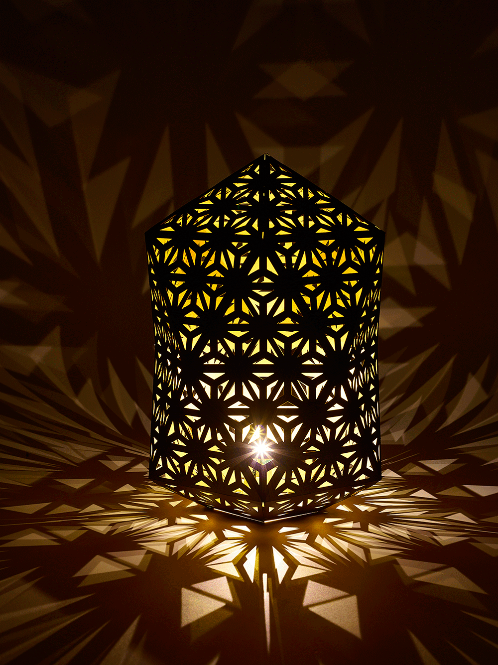 lasercut-geometric-lanterns