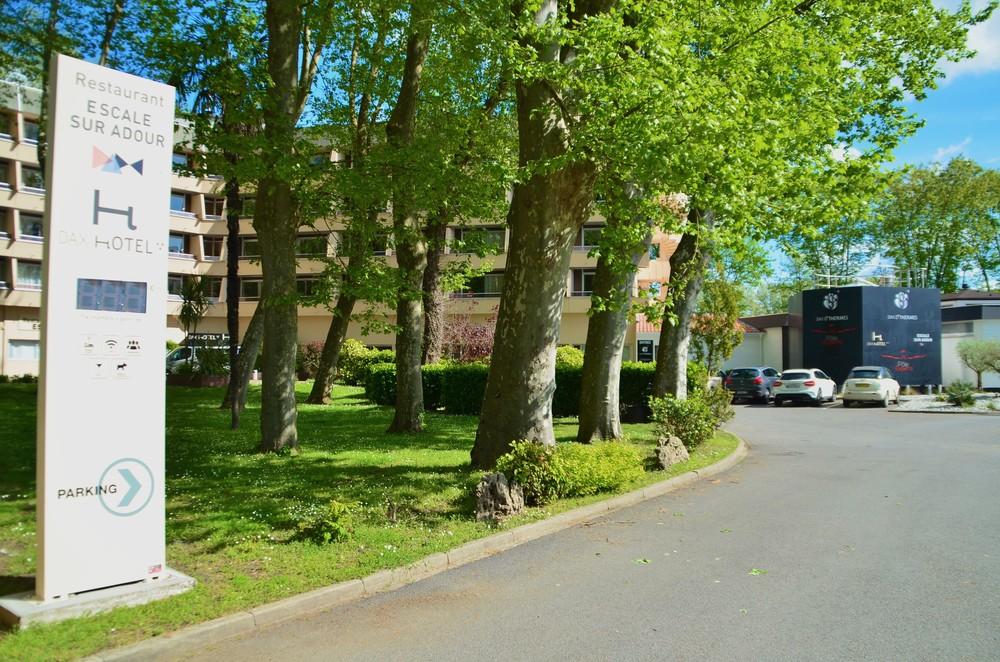 Dax Hotel - Devanture 22.jpg