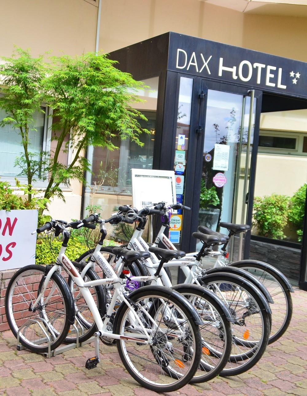 Dax Hotel - Devanture 4.jpg