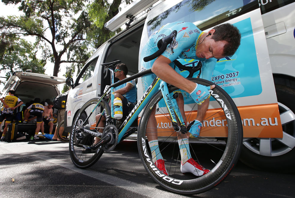 Luis Leon Sanchez from ASTANA Pro team checks his bike at race start