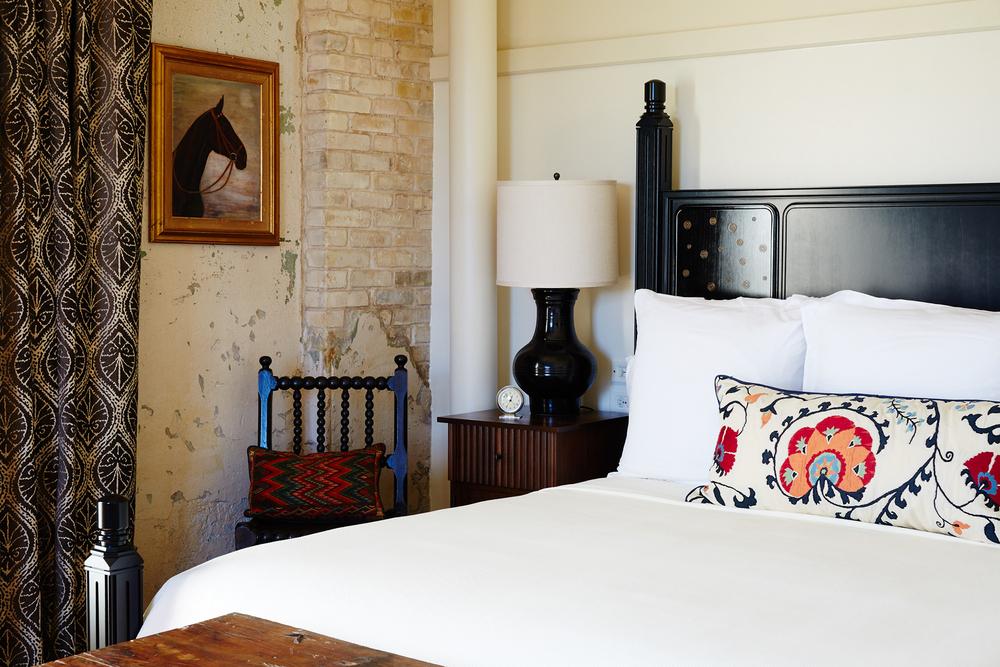 HotelEmma_Room_424_NF_0016.jpg