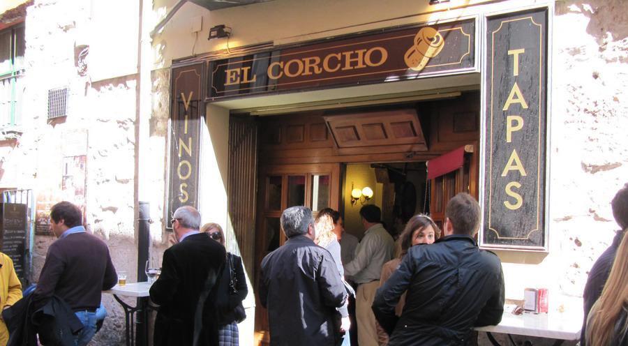 El bar El Corcho siempre está repleto. Foto:Mercedes, de www.mermyblog.com
