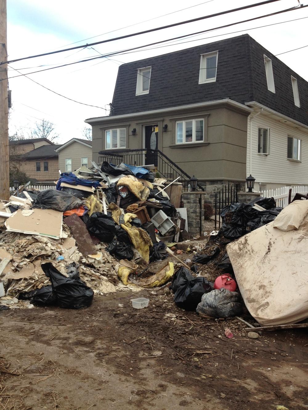 Staten Island debris & trash piles