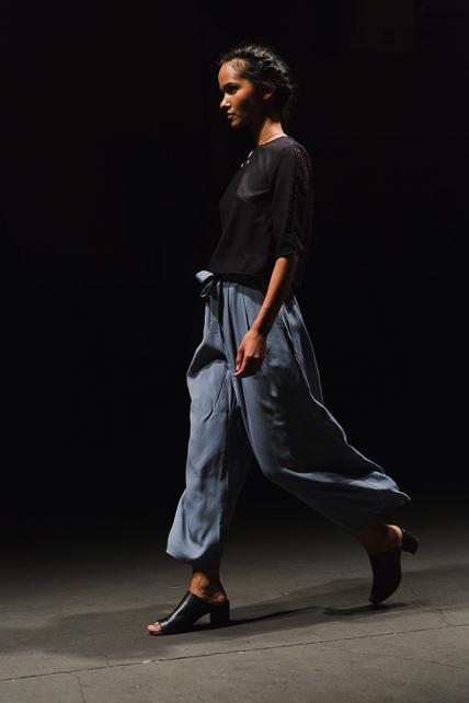 model-walk-parkshow-01
