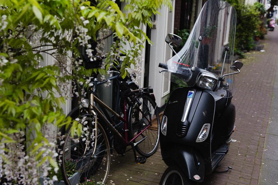 amsterdam-scooter-01.jpg