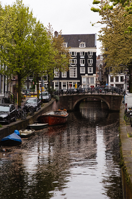 amsterdam-bridge-canal-boat.jpg