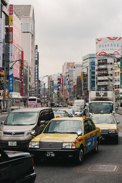 tokyo-taxi-traffic.jpg