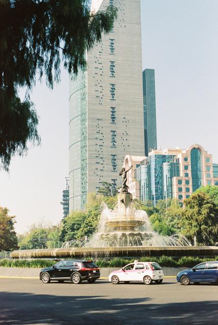 mexico-city-traffic-architecture.jpg