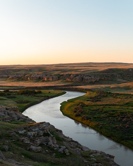 writing-on-stone-provincial-park-milk-river-sunrise.jpg