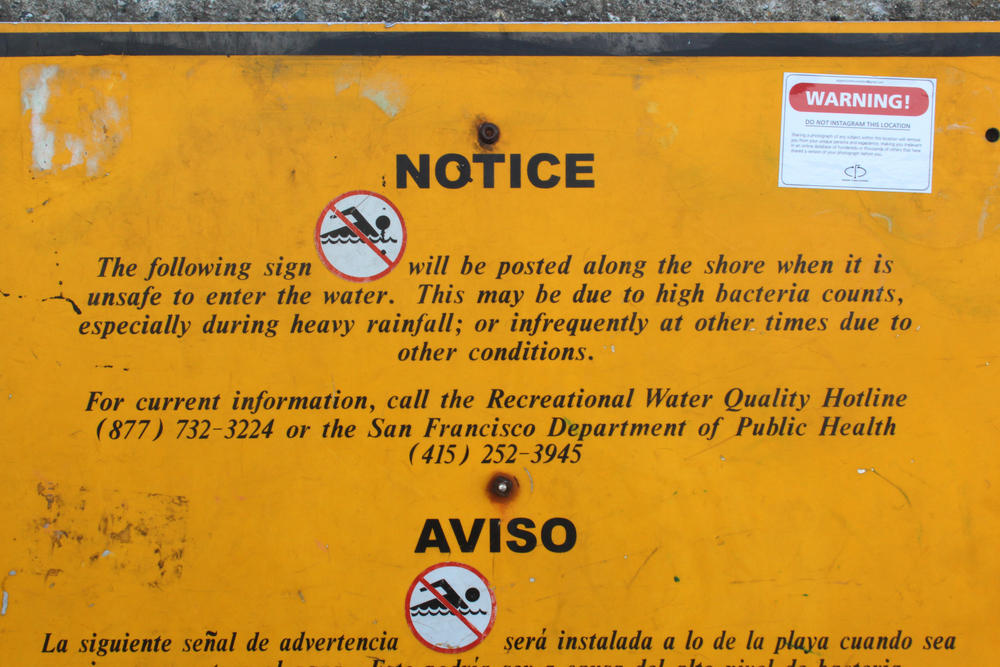 Warning sign near Golden Gate Bridge