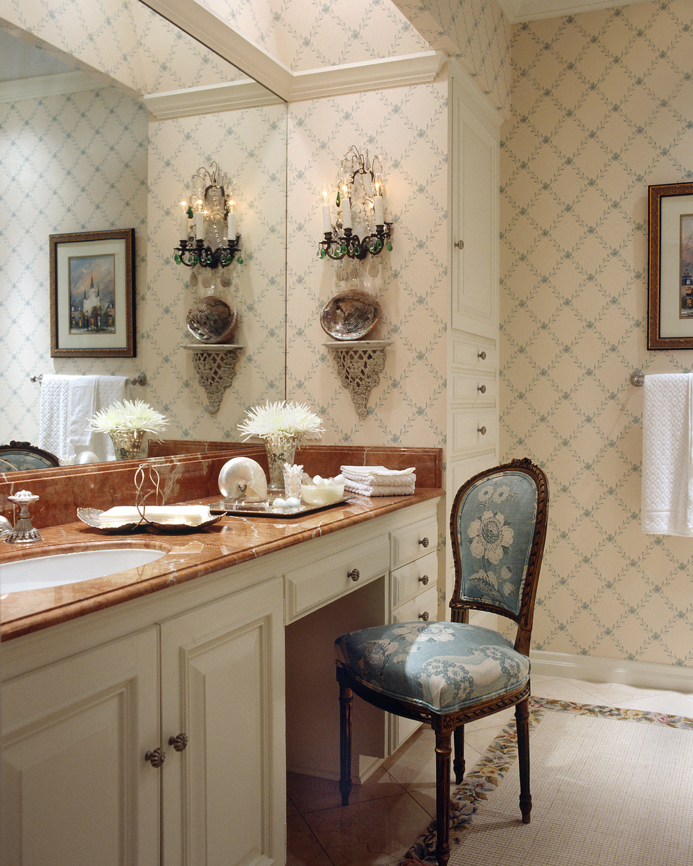 Highland Park Tudor Guest Bath Room